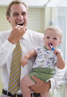 宝宝 刷牙/刷牙本身对于孩子来说,谈不上爱或不爱,也跟讲不讲卫生无关,...