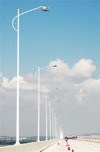 东海跨海大桥全线试灯