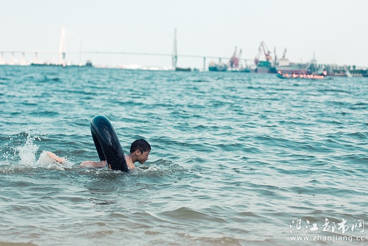 童梦无忌——嬉水金沙湾海滨浴场