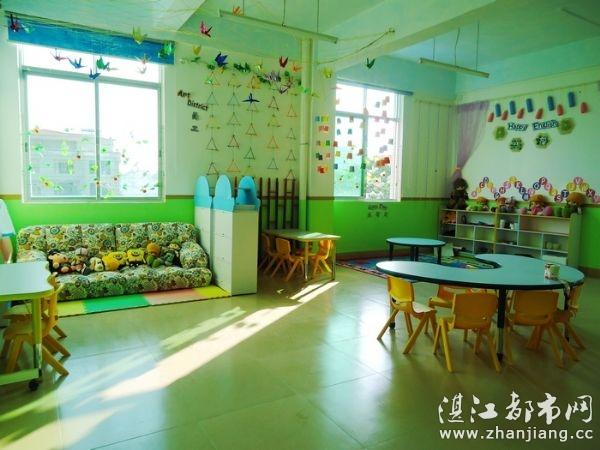 城市国际幼儿园地址:湛江市麻章区育才路别墅区2号(麻章体育中心正